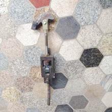 芯模锁紧装置